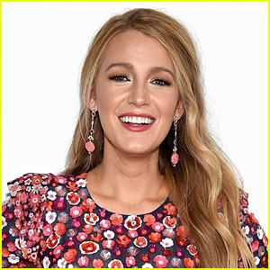 Blake Lively is opening up about the possibility of Gossip Girl coming ...