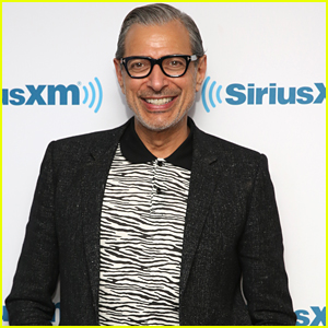 Jeff Goldblum Joins 'Jurassic World' Sequel!