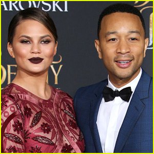 John Legend Praises Chrissy Teigen for Revealing Postpartum Depression