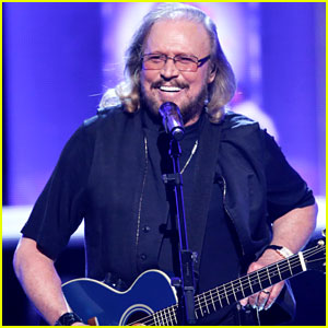 Watch the Bee Gees' Barry Gibb Perform at Grammy Tribute!