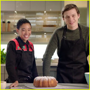 Watch 'Everything, Everything' Stars Nick Robinson & Amandla Stenberg Bake a Bundt Cake! (Exclusive)