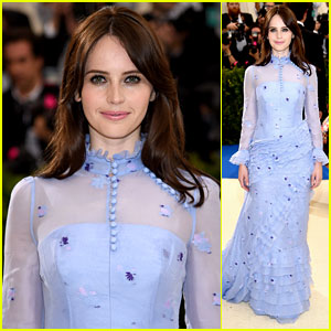 Felicity Jones Gives Vintage Feels at Met Gala 2017