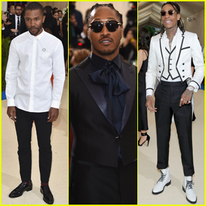 Frank Ocean Sprinted His Way Through the Met Gala Carpet!