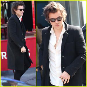 Harry Styles Steps Out After Releasing New Song 'Sweet Creature'