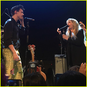 Watch Harry Styles & Stevie Nicks Serenade the Crowd at His Concert
