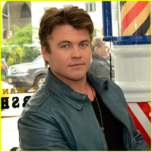 Westworld's Luke Hemsworth Shows Off His Hair of Confidence