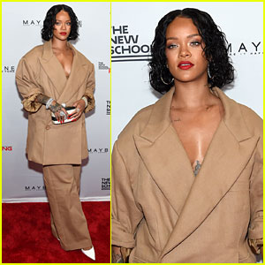 Rihanna Gets Honored for Work With Design Students