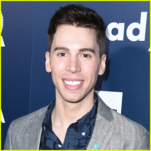 Orphan Black's Jordan Gavaris Comes Out as Gay