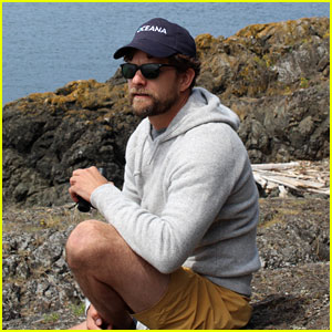 Joshua Jackson is Helping to Save the Oceans & Feed the World (Video)