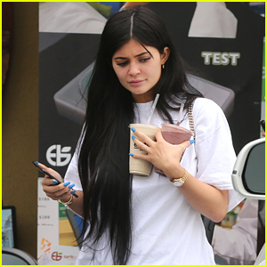 Kylie Jenner Grabs Smoothies with Friends in L.A.