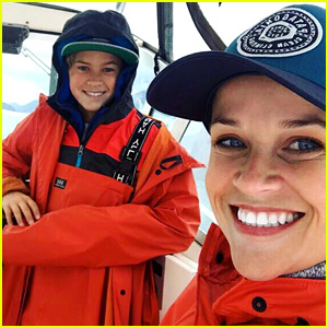 Reese Witherspoon Goes Fishing With Her Son Deacon!