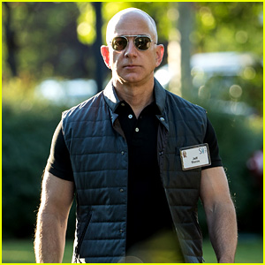 Amazon CEO Jeff Bezos' Buff Biceps Have Started a Meme!