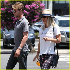Kaley Cuoco & Boyfriend Karl Cook Snuggle Up for 'Game of Thrones' Date Night
