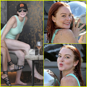 Lindsay Lohan Works the Cameras in Her Swimsuit!