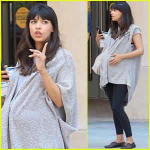 New Girl's Hannah Simone Shows Off Her Growing Baby Bump!