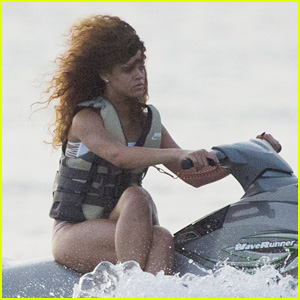 Rihanna Riding Jet Ski with Crossed Legs is Going Viral!