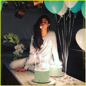Selena Gomez Celebrates Her 25th Birthday With Her Closest Friends!