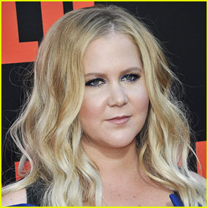 Amy Schumer Left $500 Tip on $80 Tab at Boston Restaurant!