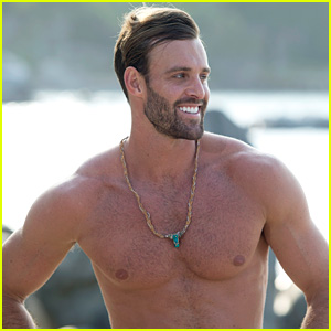 Bachelor in Paradise's Robby Hayes Has Fans Talking About His Appearance!