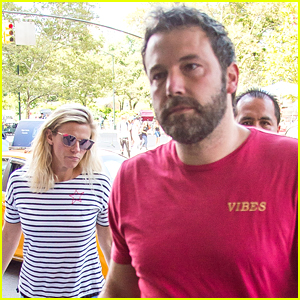 Ben Affleck & Girlfriend Lindsay Shookus Spend the Day Together in NYC