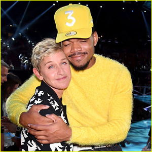 Ellen DeGeneres & Chance the Rapper Hug It Out at MTV VMAs 2017!