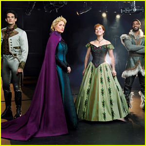 'Frozen the Musical' - First Look at the Actors in Costume!