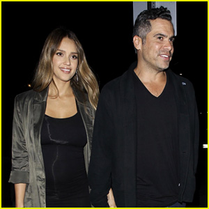 Pregnant Jessica Alba Displays Tiny Baby Bump in Form-Fitting Dress