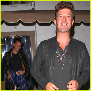 Robin Thicke Enjoys Dinner With Pregnant Girlfriend April Love Geary
