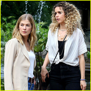 Rosamund Pike Works on 'Three Seconds' in NYC's Central Park