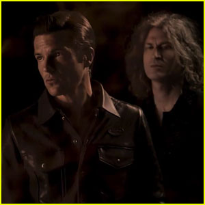The Killers Debut 'Run For Cover' Music Video - Watch Here!