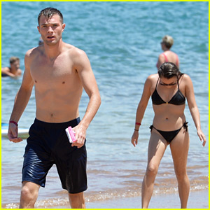'Tinder Couple' Josh & Michelle Hit the Beach in Hawaii for First Date! (Photos)