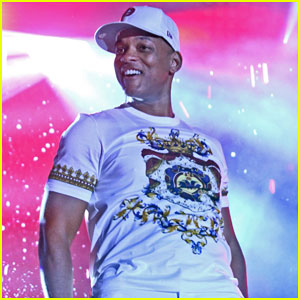 Will Smith & DJ Jazzy Jeff Debut New Song 'Get Lit' at Livewire Festival - Watch Here!