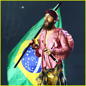 Jared Leto Sparkles On Stage at Rock in Rio Music Festival 2017!