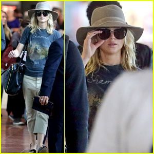 Jennifer Lawrence Touches Down in Paris for Fashion Week