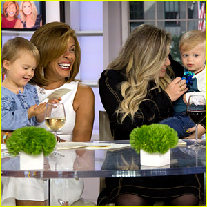 Kelly Clarkson Brings Her Kids on 'Today,' Talks Motherhood