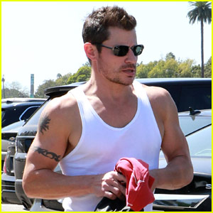 DWTS' Nick Lachey Puts Bulging Biceps on Display After Rehearsal