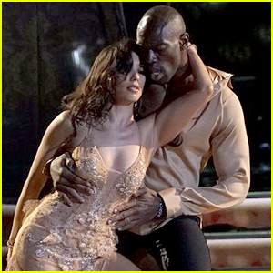Terrell Owens & Cheryl Burke Perform Sexiest Dance of 'DWTS' Ballroom Night (Video)