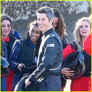 Arie Luyendyk Jr Films The Bachelor With His Contestants Photos