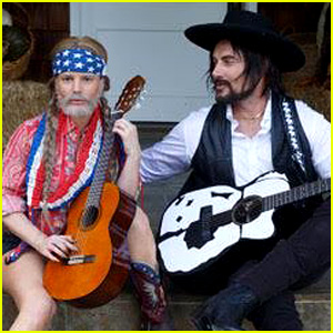 Jessica Simpson Wears a Beard for Her Willie Nelson Costume!