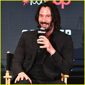 Keanu Reeves Debuts First Trailer for 'Replicas' at New York Comic Con 2017 - Watch Here!