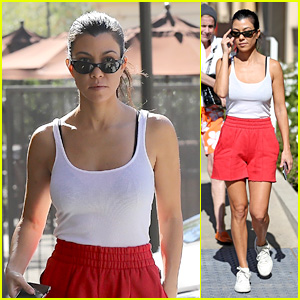 Kourtney Kardashian Looks Comfy While Looking at Condos!