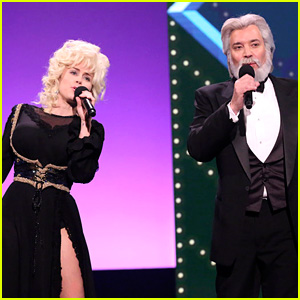 Miley Cyrus Dresses As Dolly Parton To Sing 39 Islands In