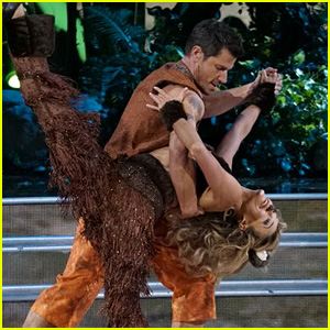 Nick Lachey Bares His Abs During 'DWTS' Disney Night (Video)