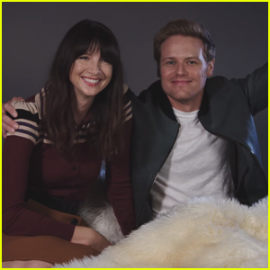 Caitriona Balfe & Sam Heughan Hilariously Read 'Outlander' Fan Fiction - Watch Now!
