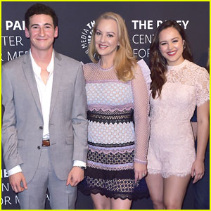 Wendi McLendon-Covey & 'Goldbergs' Cast Celebrate 100th Episode at Paley!