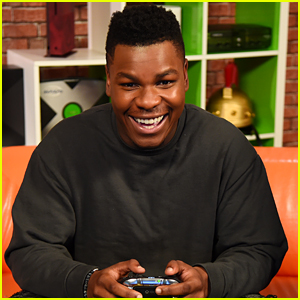 John Boyega Gives Fans a Sneak Peek of Star Wars Battlefront II During Xbox Live Session