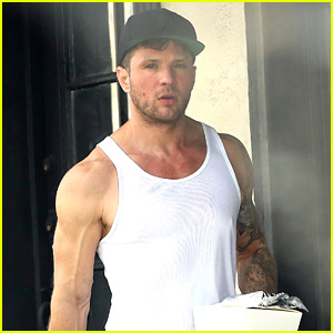 Ryan Phillippe Is Working Hard in the Gym After His Injury