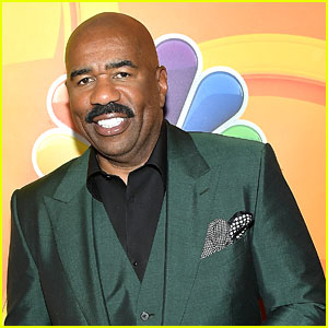 Steve Harvey Addresses 2015 Mistake in Opening Monologue at Miss Universe 2017