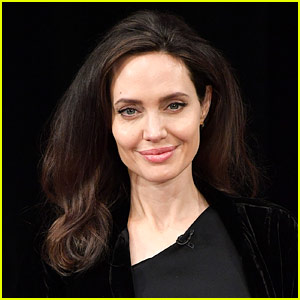 my favourite actress angelina jolie essay My favorite actress : a true, personal story from the experience, i love angelina jolie she's my favorite (white) actress actually she's beautiful (with.