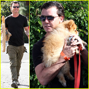 Gavin Rossdale Cuddles With His Dog Chewy While Buying French Bread